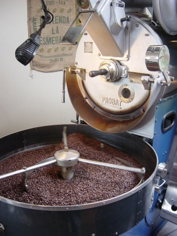 Stumptown On Division - roaster in action